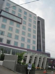 Aston Hotel - Bandung (facade)3