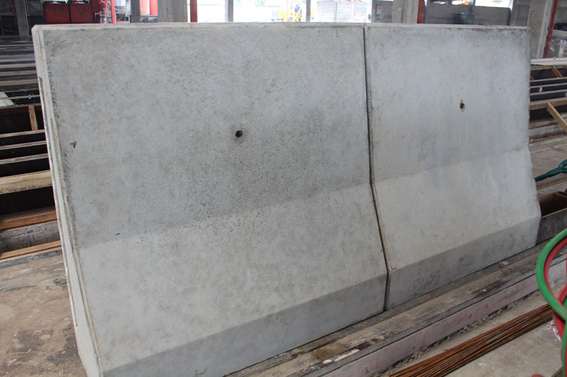 Median Concrete Barrier